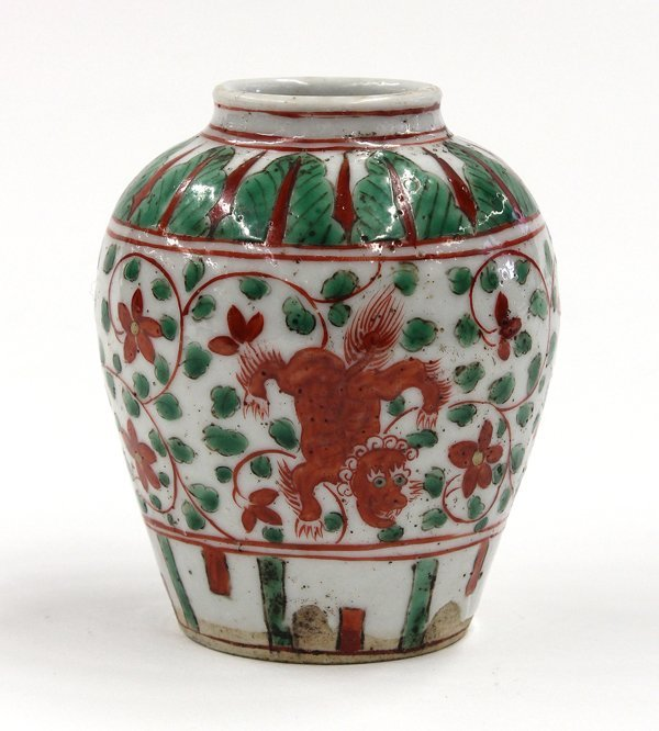 22: Chinese Red/Green Enameled Porcelain Jarlet