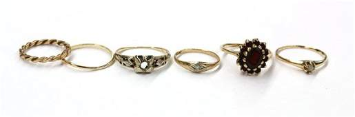 549 Collection of six yellow gold rings