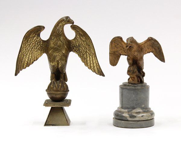 6014: Patinated metal eagle ornaments