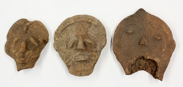 2011: Ghana clay memorial heads
