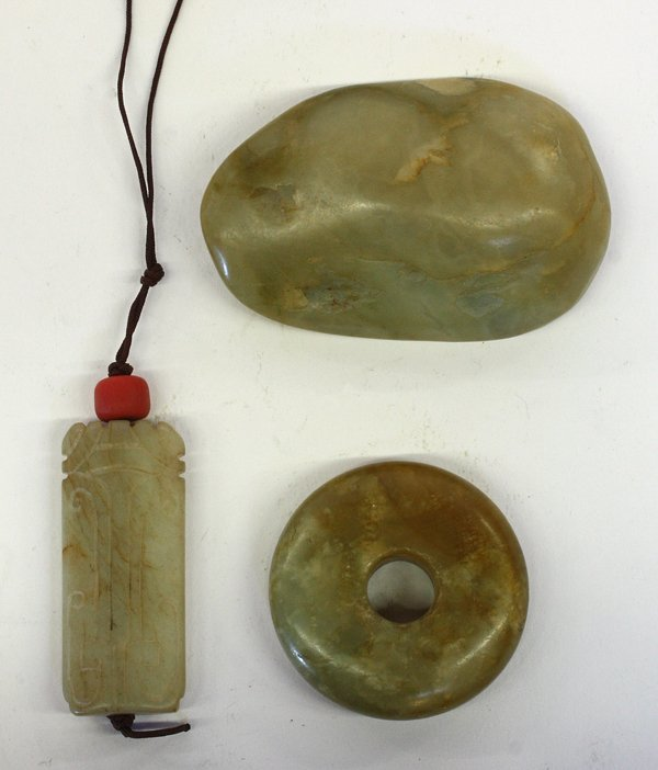 4008: Chinese Jade Pebble and Toggles