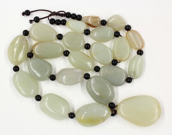 15: Chinese Necklace with Jade Pebbles