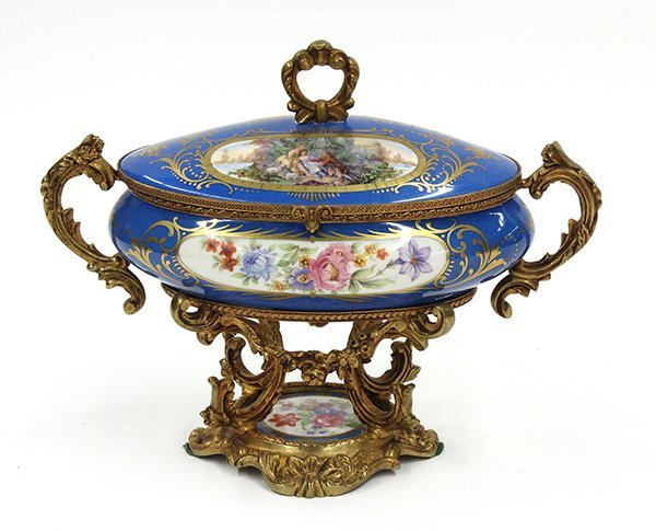 2007: French porcelain gilt mounted box