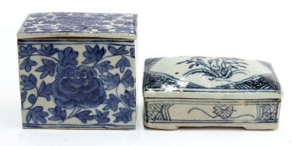4009: Two Chinese Blue-and-White Porcelain Boxes