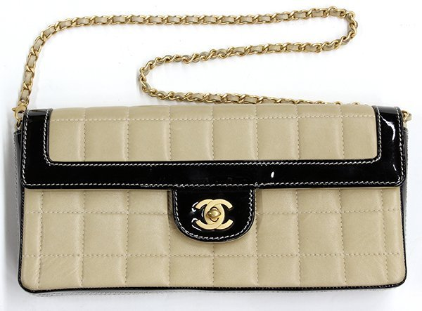 Chanel shoulder purse