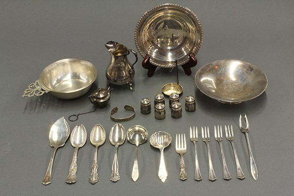 """Tiffany & Company sterling silver """"Faneuil"""" pattern, 19"""