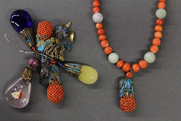 Assortment of Chinese Jewelry and Toggles
