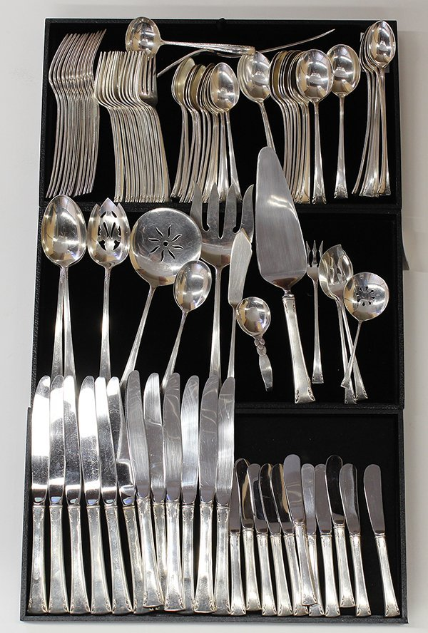 "International ""Serenity"" pattern sterling silver flatwa"