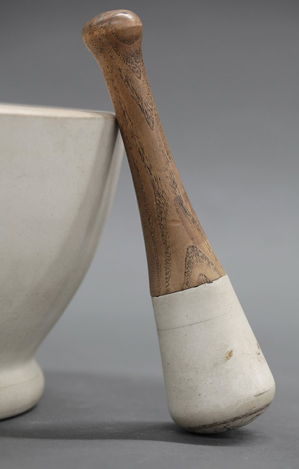 Wedgwood pharmacy mortar and pestle, 19th century - 2