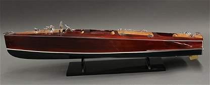 Chris Craft style model speedboat