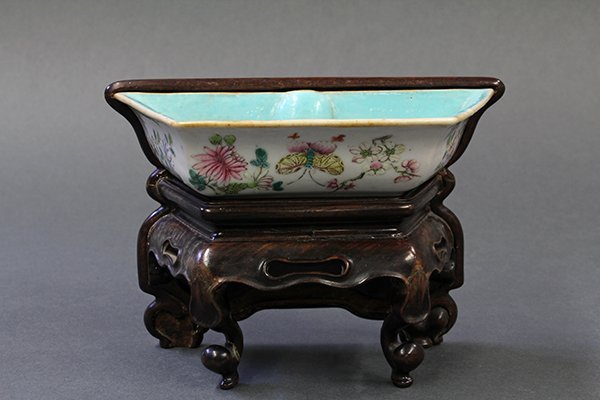 Chinese Porcelain Planter