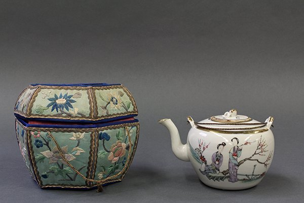 Chinese Porcelain Tea Pot and Box