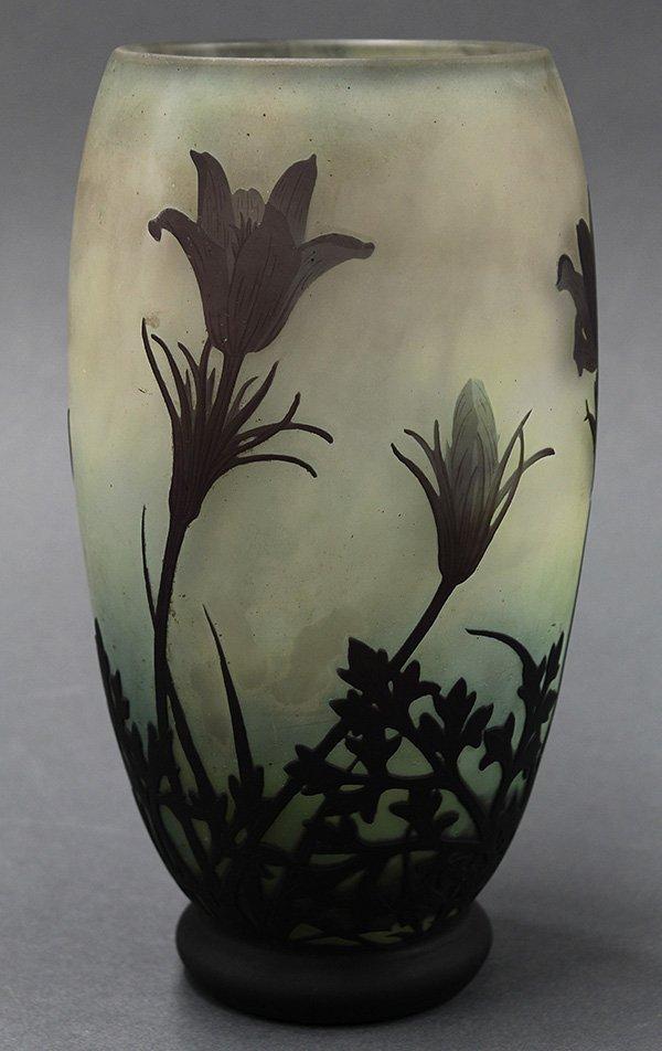 Daum Nancy Art Nouveau cameo glass vase