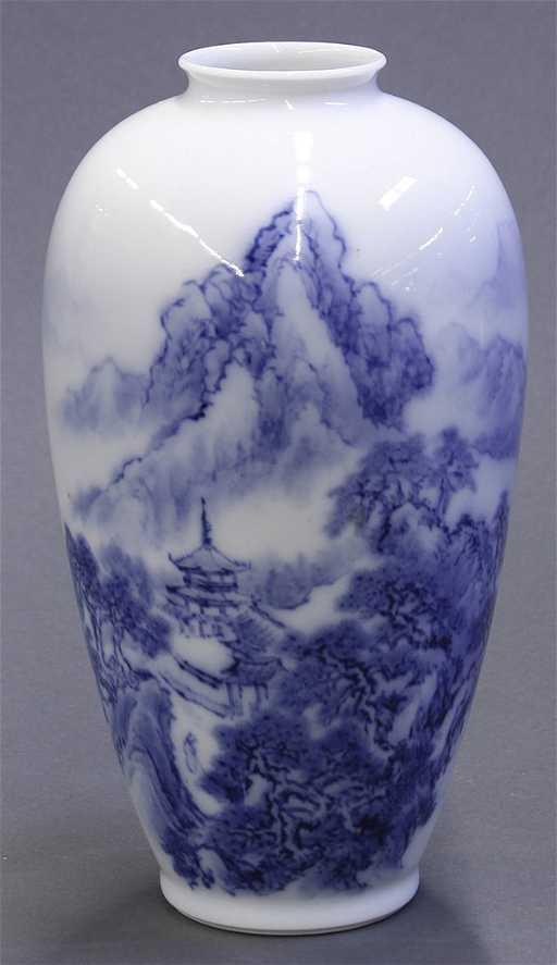 Japanese Fukagawa Porcelain Vase