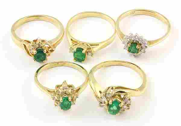 (Lot of 5) Emerald, diamond and yellow gold rings