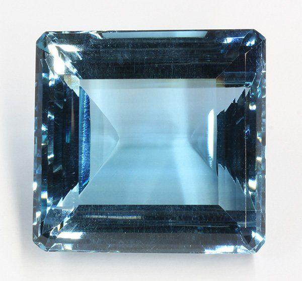 Large unmounted blue topaz
