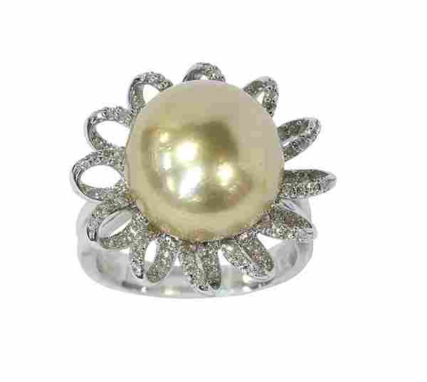 Golden South Sea cultured pearl, diamond and 18k white