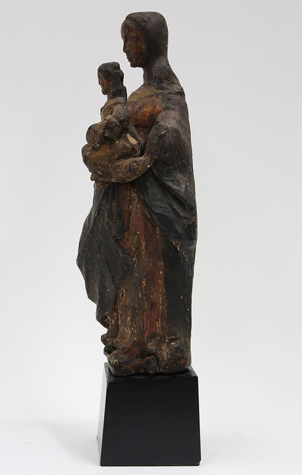 Continental carved wood Santos figure of Madonna and - 3