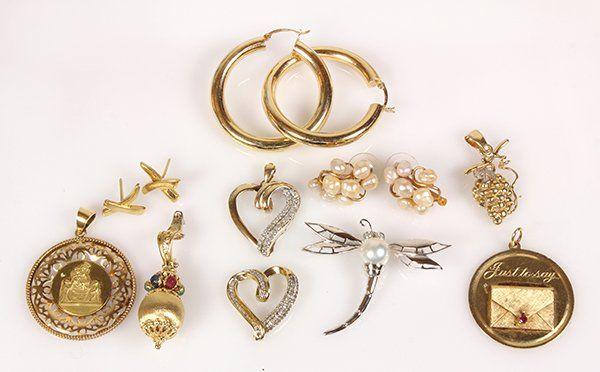 Collection of gem and gold jewelry