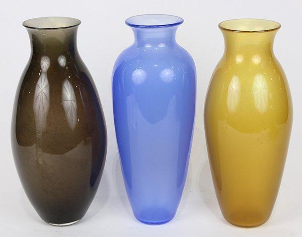 (lot of 3) Art glass vases, each having a shouldered