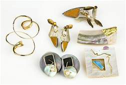Collection of multistone and yellow gold jewelry