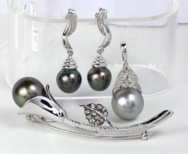 Collection of cultured pearl, diamond, South Sea