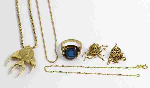 Collection of glass, emerald and gold jewelry
