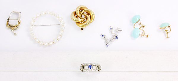 Collection of gem, platinum and gold jewelry