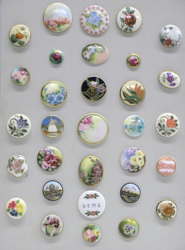 4018: One card of buttons, Limoges