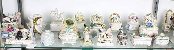 Lot of 21 French and Continental porcelain box group