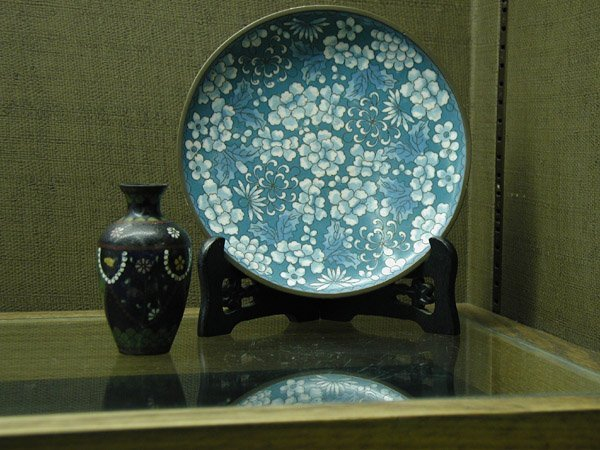 2010: Cloisonne plate and vase