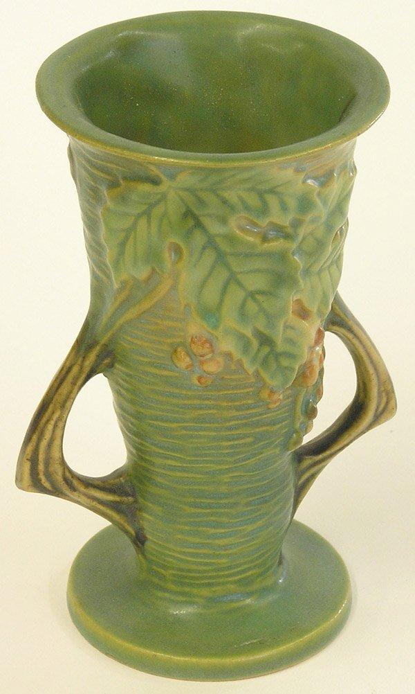 4009: Roseville Bushberry vase