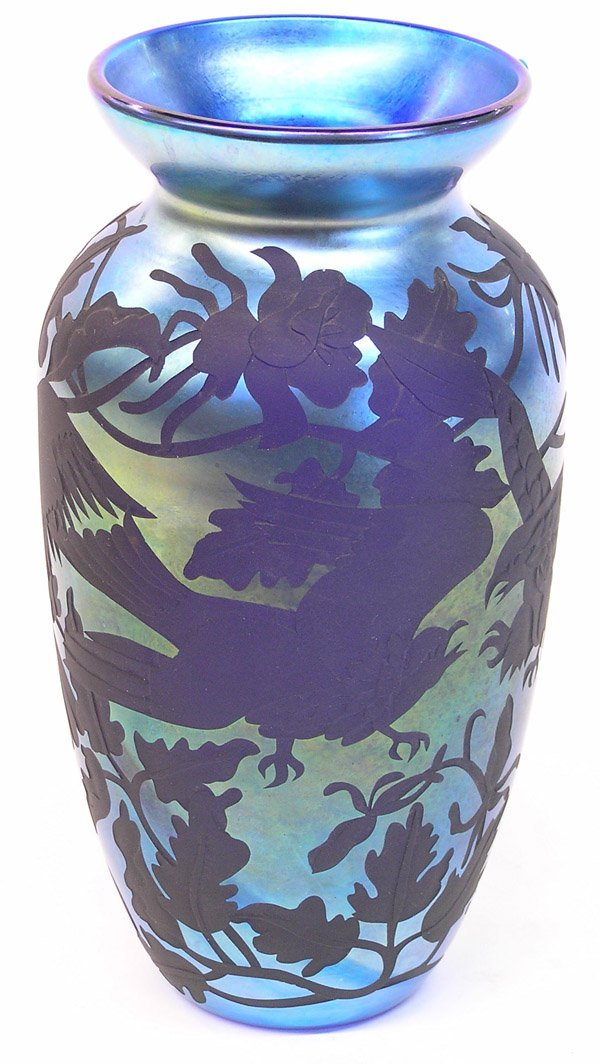 14: Lundberg Studios vase