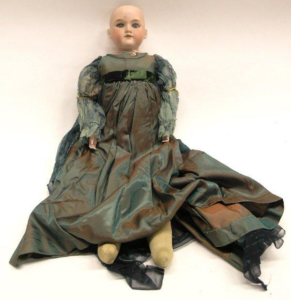 1811: Floradora bisque head