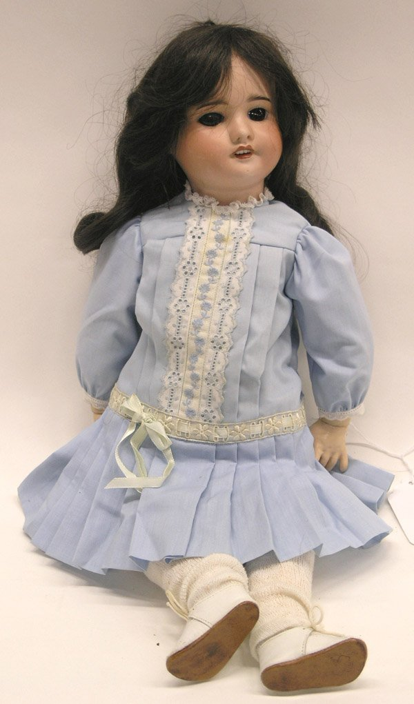 1813: French SFBJ bisque doll head
