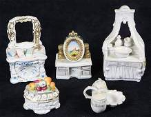 lot of 33 French and Continental porcelain box group