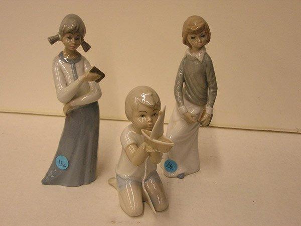 16: Casades and Porteval figurines
