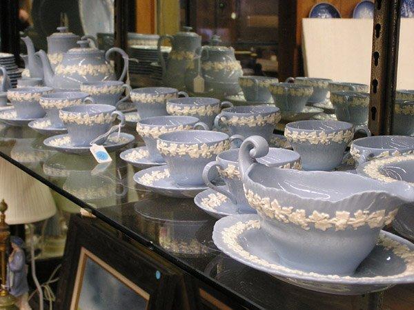 22: Wedgwood porcelain, Embossed Queensware