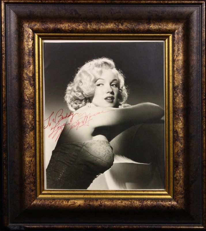 Marilyn Monroe signed black and white photograph