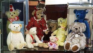 (Lot of 9) Teddy bears, including Steiff, Beanie
