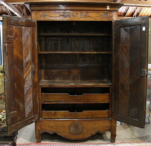 French Provincial two door linen press circa 1800 - 3