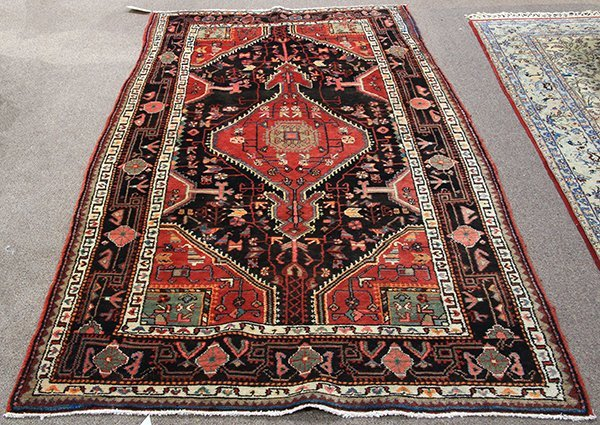 "Persian Jozan hall carpet, 9'3"" x 4'9"""