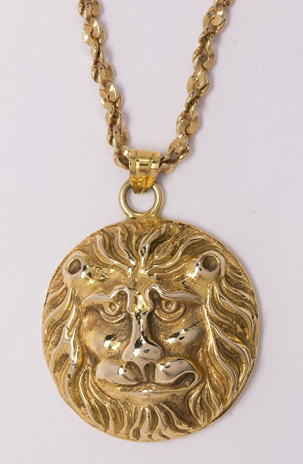 14k yellow gold lion head pendant and metal chain