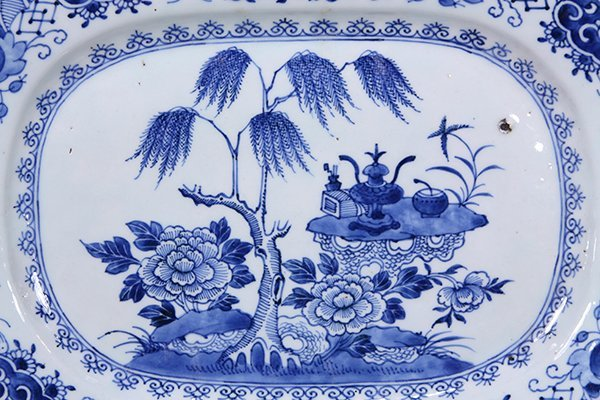 Three Chinese Blue and White Export Platters - 3