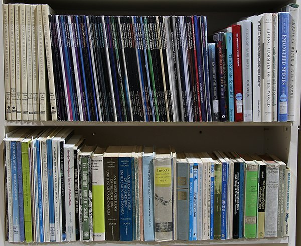 (lot of 200+) Five shelves of books relating to Natural - 3