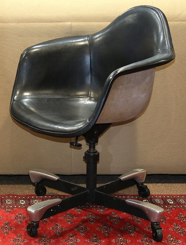 Charles and Ray Eames swivel office chair - 2