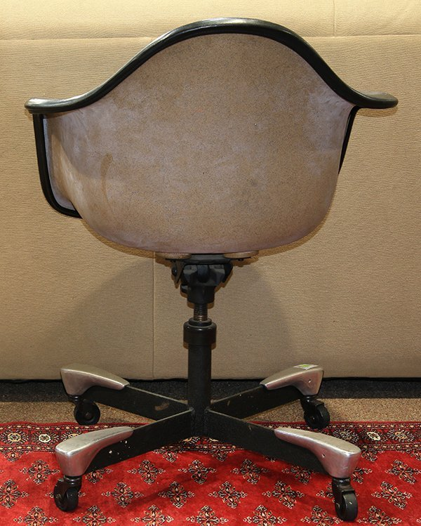 Charles and Ray Eames swivel office chair - 3