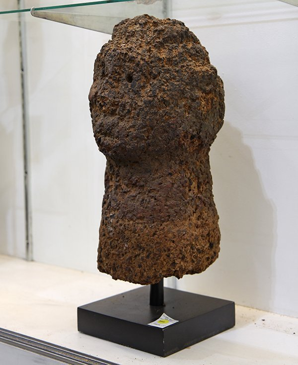 African Yoruba clay shrine bust, 19th Century, Bongo