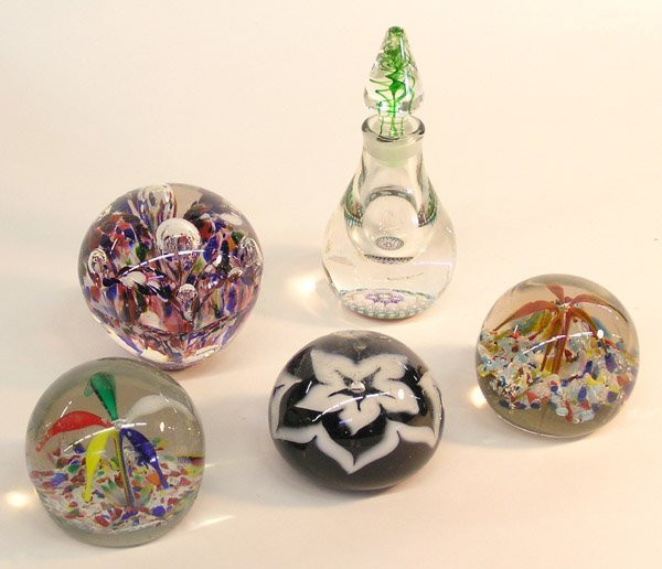 4021: Perthshire scent bottle/paperweights
