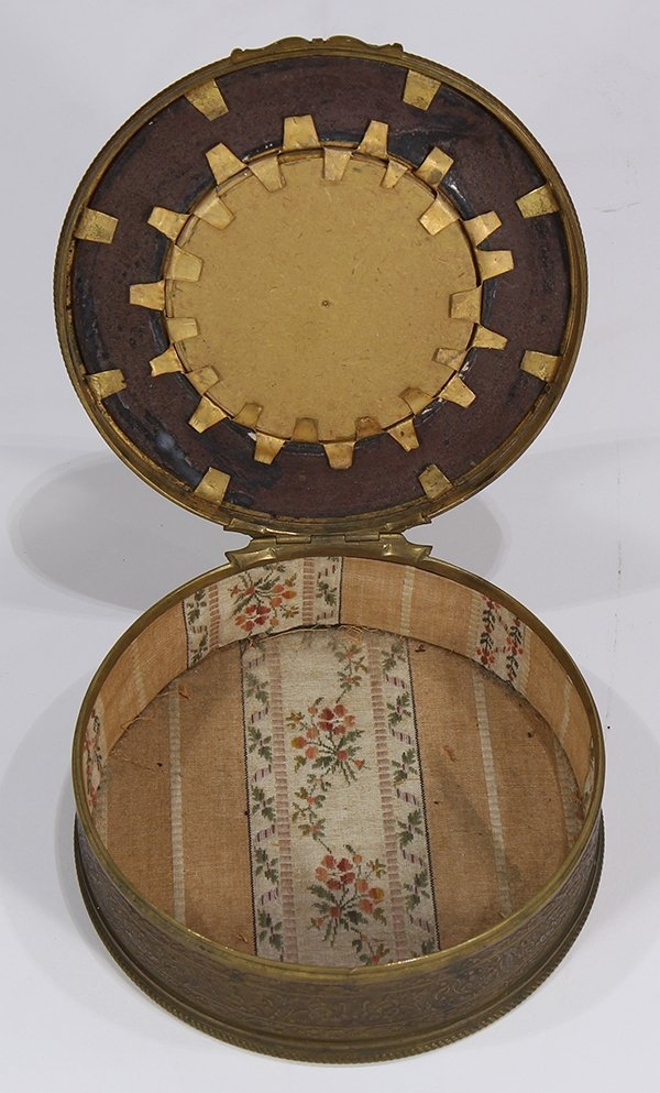 French raised gilt and enamel decorated dresser box - 2